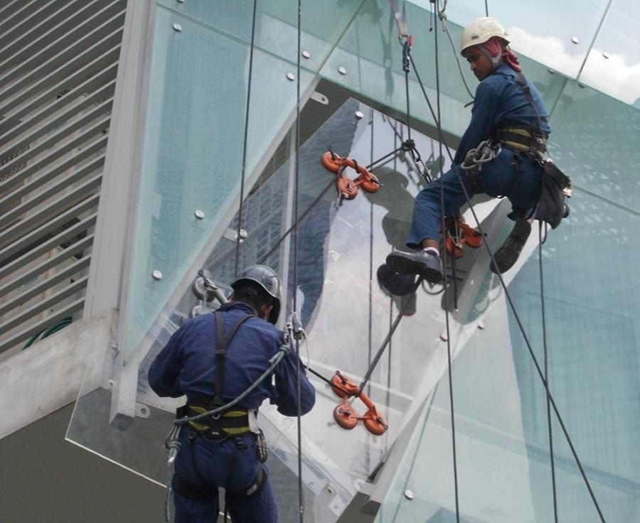 glass installation dallas tx